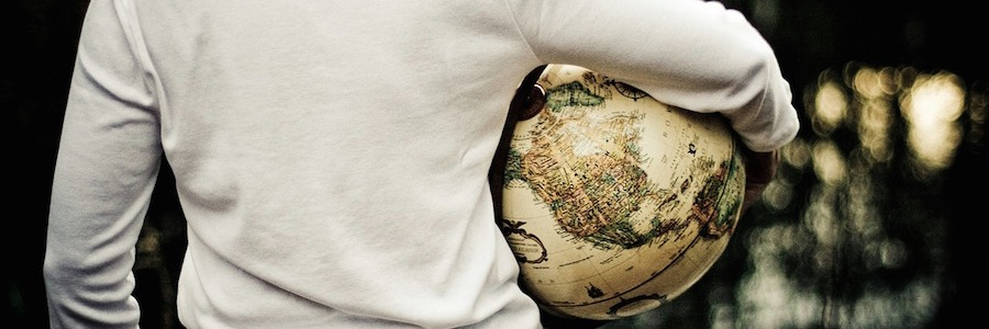 Poshpacker Reisender Globus