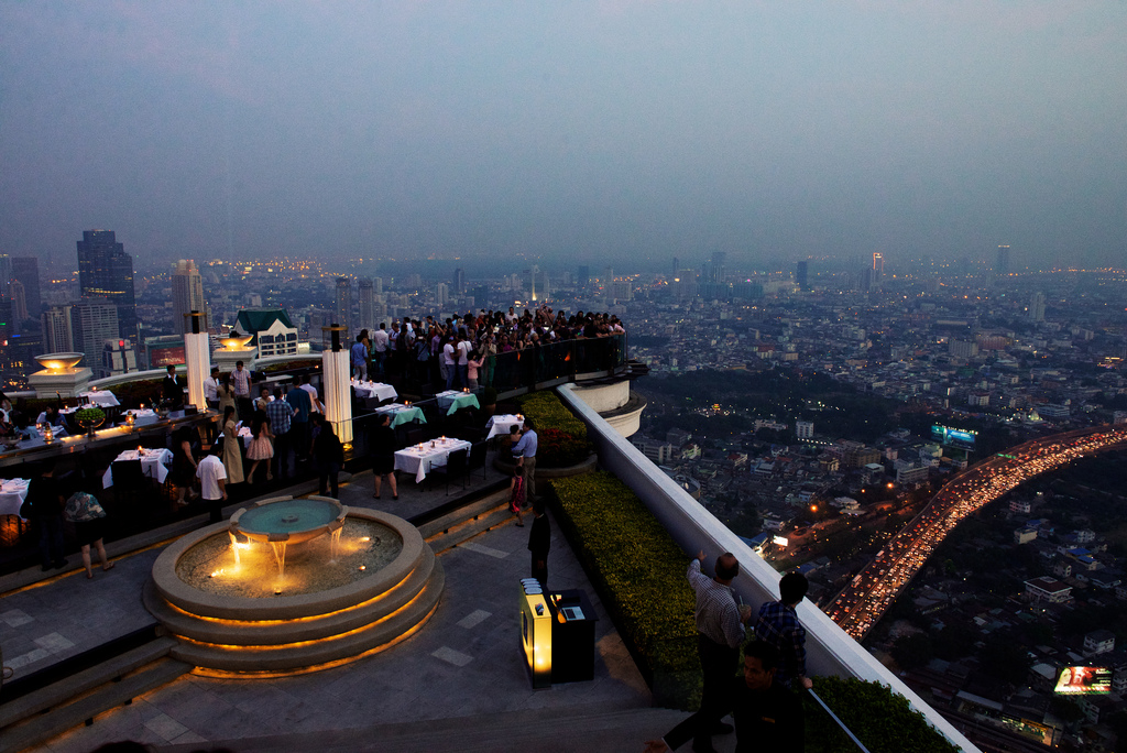 Die berühmte Skybar auf dem State Tower in Bangkok Photo CC by Tord Sollie
