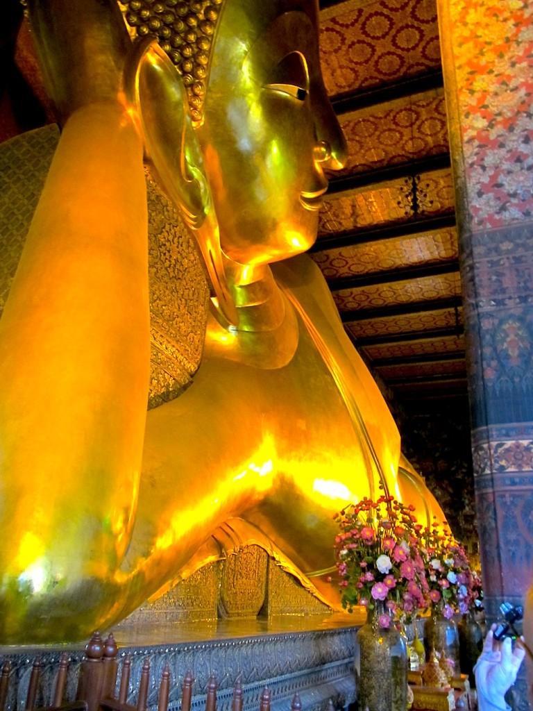 Wat Pho: Der berühmte liegende Buddha (ca.45 Meter lang)