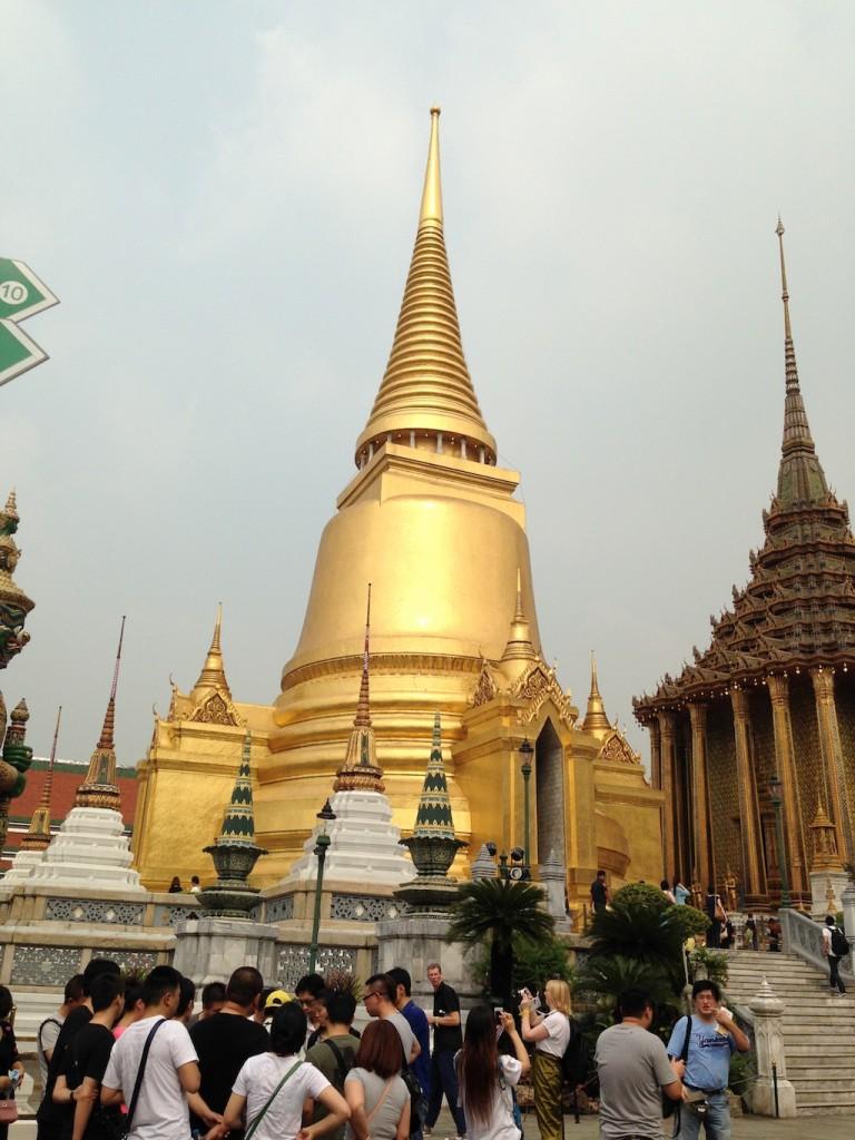 Wat Phra Kaeo: Phra Sri Rattana Chedi