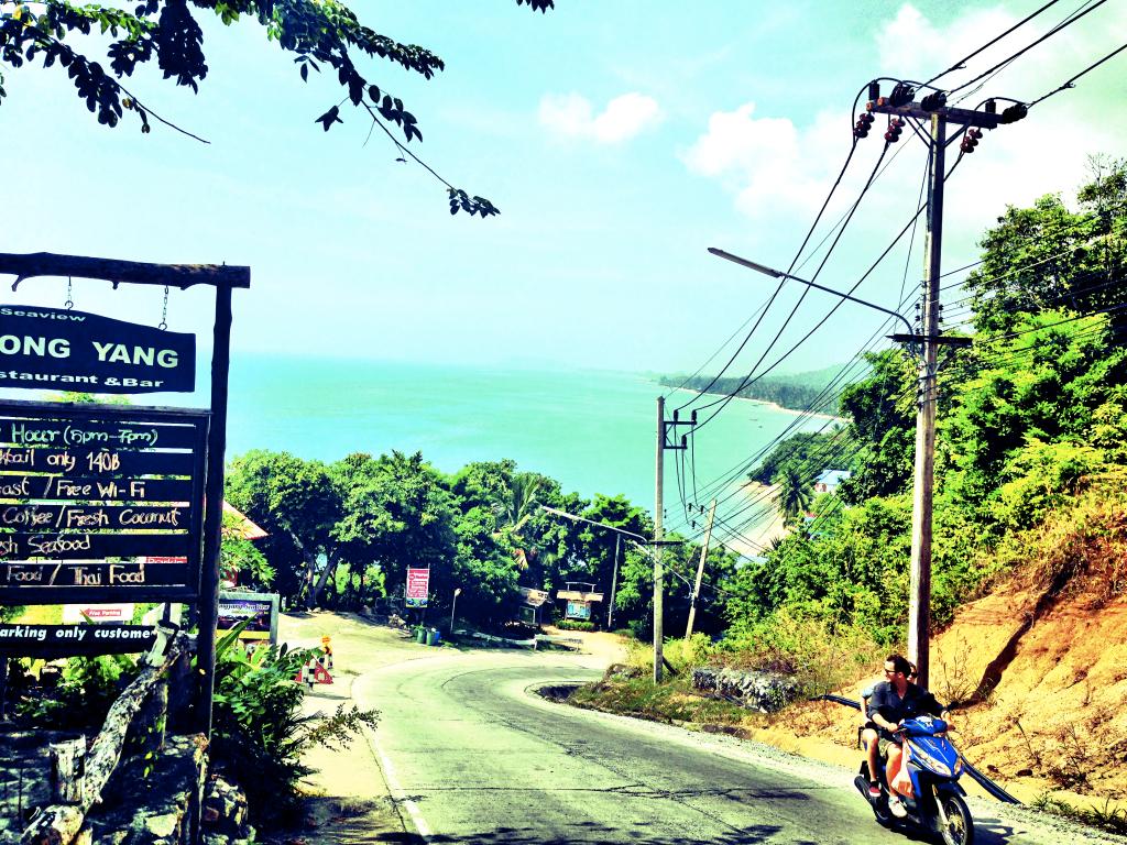 Koh Phangan, Thailand: Ein Traum. Allein für solche Momente lohnt es sich schon einen Roller in Thailand zu mieten!