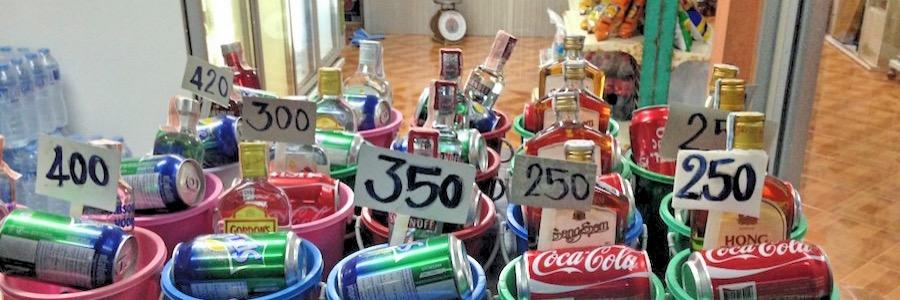 Koh Phangan, Thailand: Buckets werden an jeder Ecke angeboten