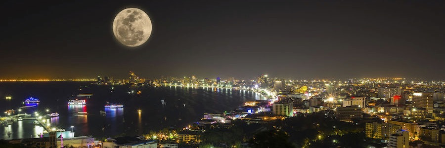 Pattaya Bucht Nacht Vollmond Nightlife