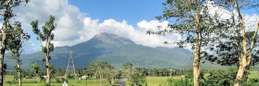 Strasse Berge Vulkane Philippinen