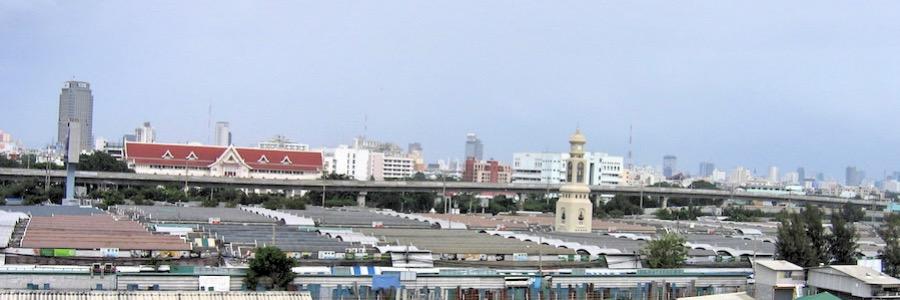 Chatuchak Weekend Market Dächer und Turm