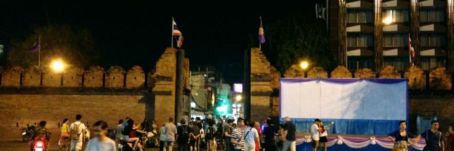 Thapahe Gate Nacht Chiang Mai
