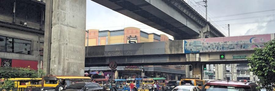 LRT Kreuzung Manila Philippinen