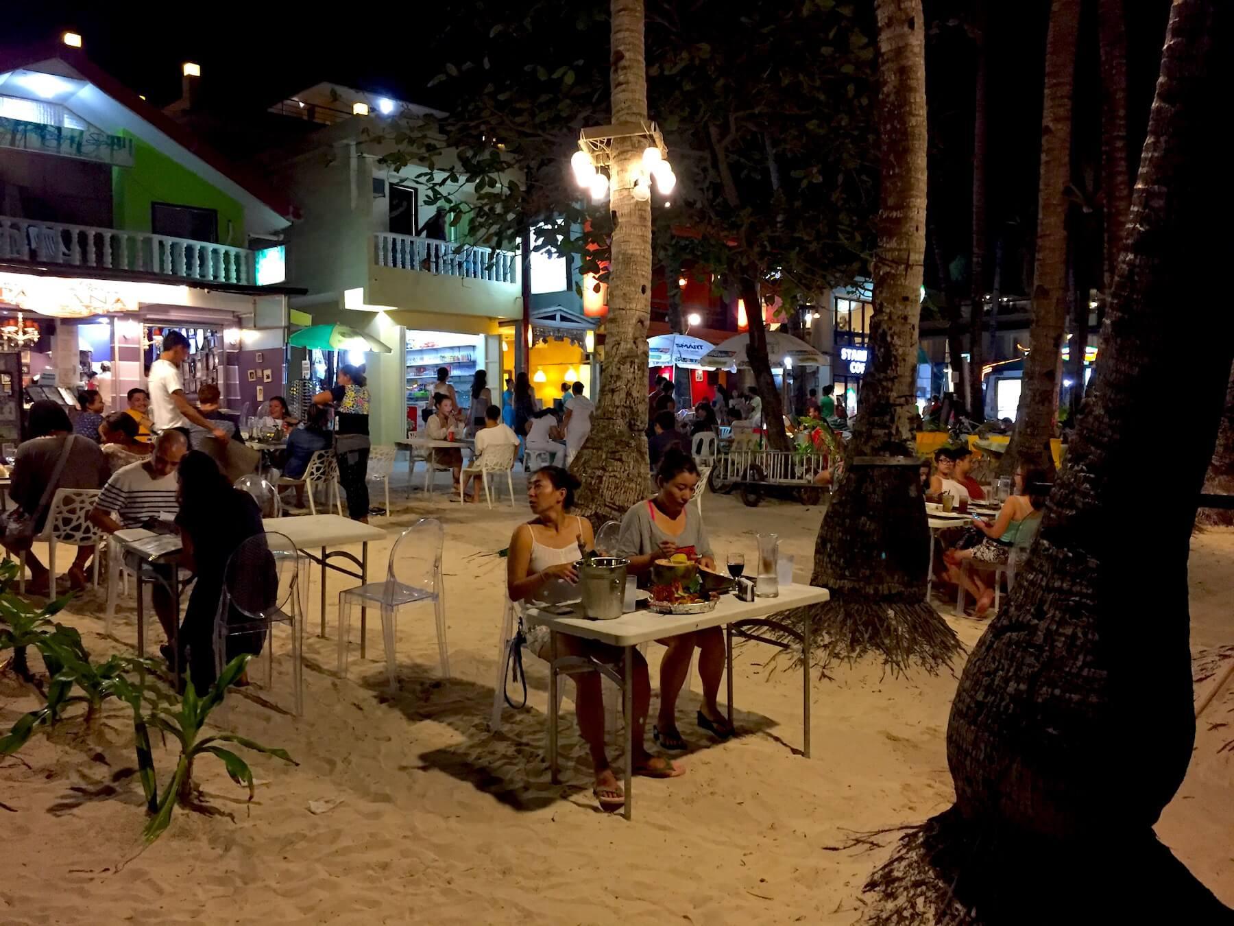 boracay-nachtleben-white-sand-beach