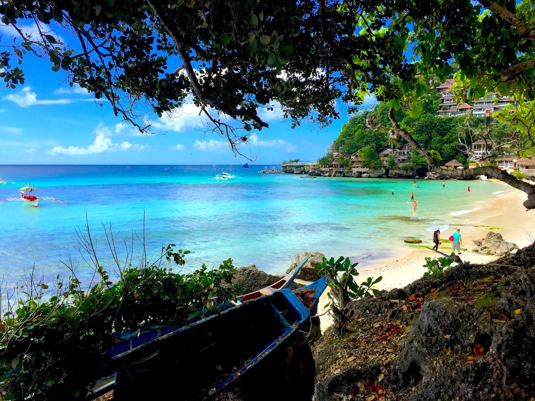 diniwid-beach-boracay-philippinen
