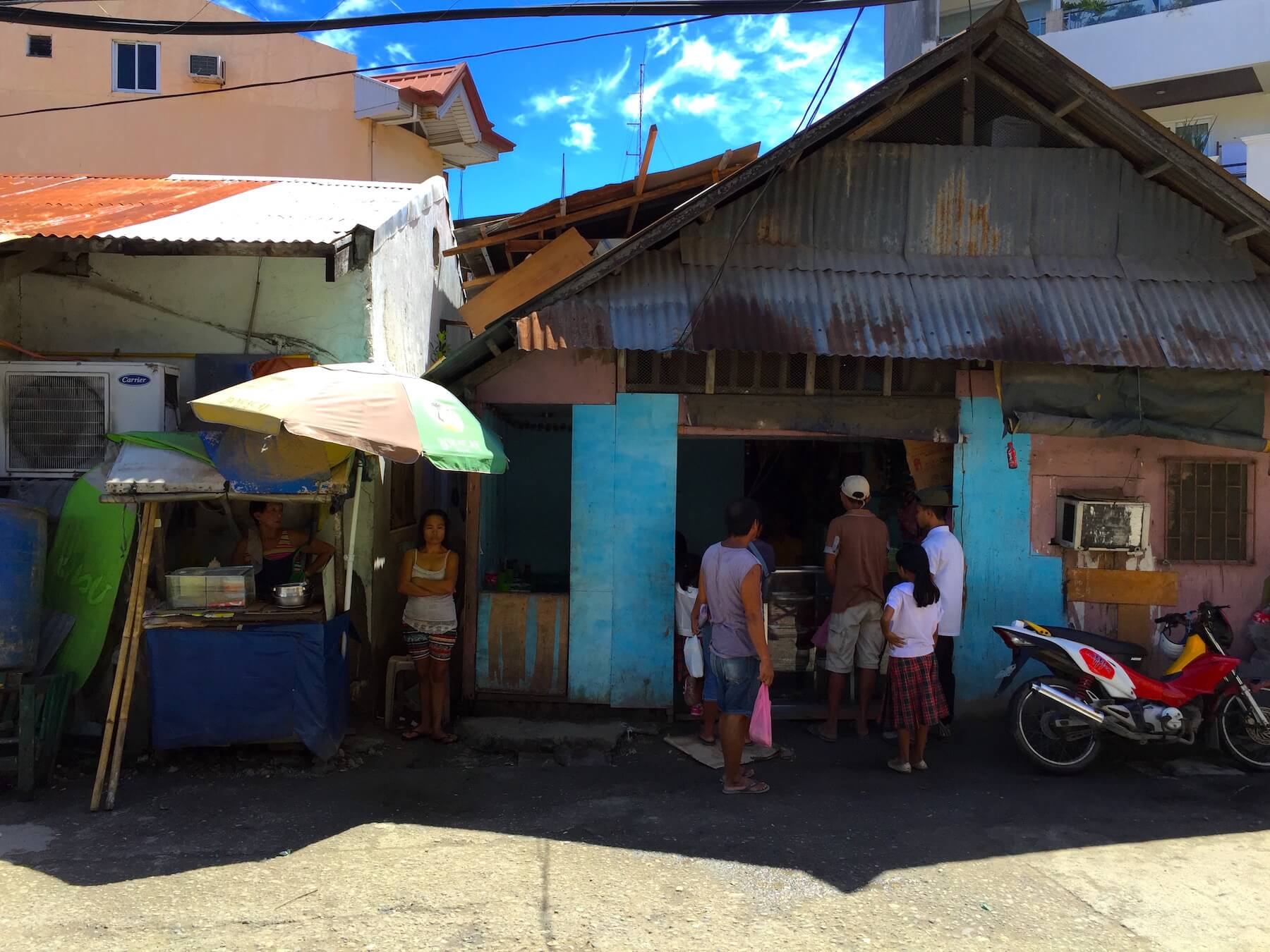 strassenbar-boracay-philippinen