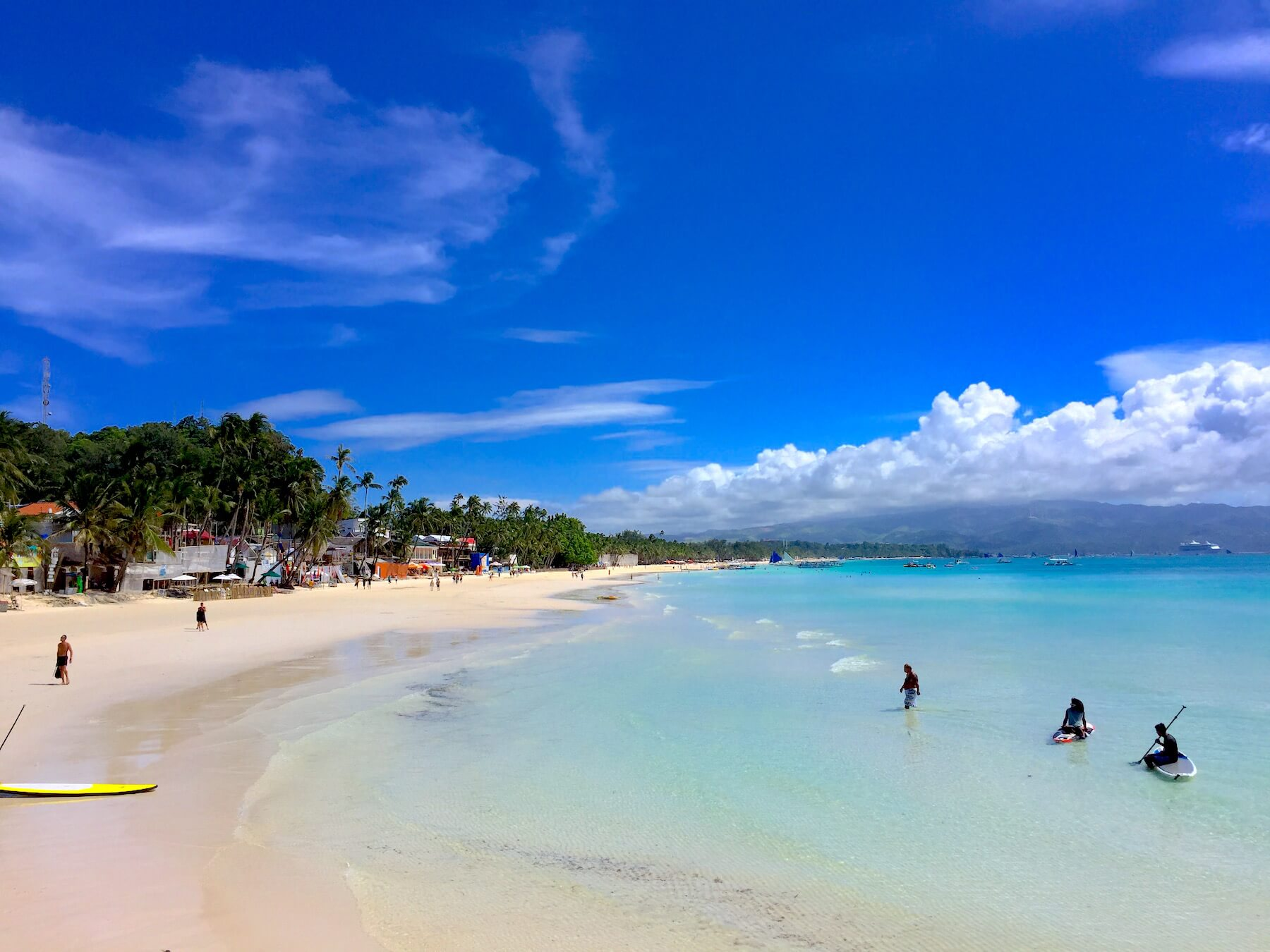 white-sands-beach-boracay-paddle